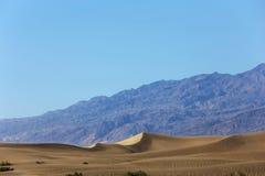 Dunas no parque nacional de Vale da Morte, Califórnia, EUA Foto de Stock Royalty Free
