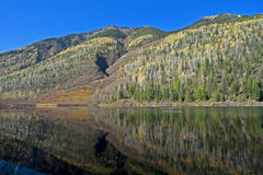 Duncan Lake w Mt.Famham (Selkirk Mountains), Kootenay, Canada Stock Images