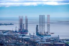Dundee wieży wiertniczej Decomissioning jardy na wschodniej części miasto Dundee w Szkocja fotografia stock