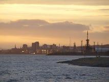 Dundee y tay en la puesta del sol foto de archivo libre de regalías
