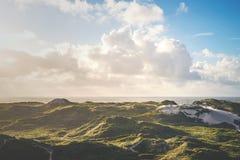 Dune danesi al Mare del Nord a Hvide Sande fotografia stock libera da diritti