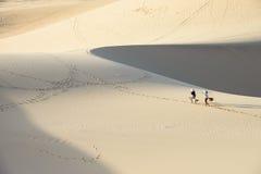 Dune de sable blanche en Mui Ne, Vietnam Image libre de droits