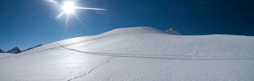 Dune della neve nelle alpi Fotografie Stock Libere da Diritti