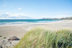 Dune della spiaggia e di sabbia di Hellestø fuori di Stavanger, Norvegia fotografia stock libera da diritti