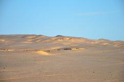 Dune di sabbia lungo la costa di scheletro Fotografie Stock