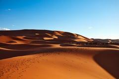 Dune di sabbia nel deserto di Sahara Immagini Stock Libere da Diritti