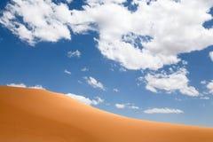 Dune di sabbia rosa del corallo Fotografia Stock