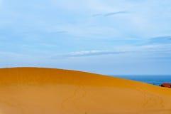 Dune di sabbia vicino dal mare in Ne di Mui, thiet di Phan, Vietnam Fotografie Stock Libere da Diritti