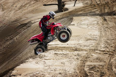 Dune di salto teenager Fotografie Stock Libere da Diritti