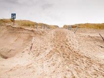 Dune endommagée par tempête photos stock