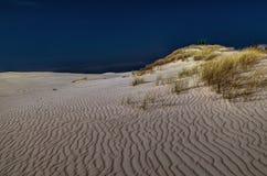 Dune muoventesi in Polonia, mezzogiorno fotografie stock libere da diritti