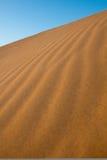 Dune verticale avec des ondulations Photos stock