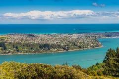 Dunedin e il Otago Harbour, visto dal picco della collina del segnale Fotografia Stock Libera da Diritti