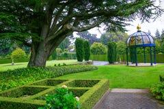 DUNEDIN, NOUVELLE-ZÉLANDE - FEBR 10, 2015 : jardin au château de Larnach photos libres de droits