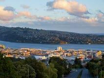 Dunedin pendant le coucher du soleil photographie stock libre de droits