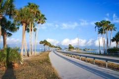 Dunedin vägbank, Florida, USA Royaltyfri Fotografi