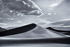 Dunes de mesquite, stationnement national de Death Valley Photographie stock