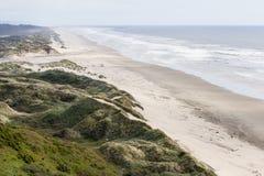 Dunes de sable dans la côte de l'Orégon images stock