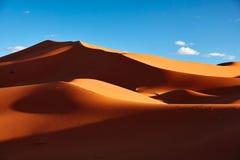 Dunes de sable dans Sahara Desert, Merzouga Photo libre de droits