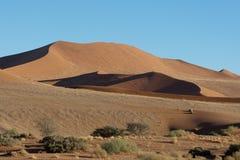 Dunes de sable de Soussus Vlei Image stock