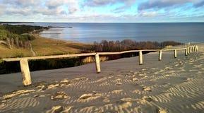 Dunes de sable et golfe, Lithuanie Photos libres de droits