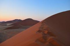 Dunes de sable rouges photos stock