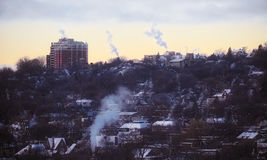 Dunkel gryning på en kall morgon Fotografering för Bildbyråer