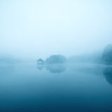 dunkel lake Royaltyfri Foto