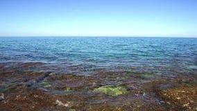 Dunkelblaues ägäisches Mittelmeer auf Kreta-Insel in Griechenland, Europa stock footage