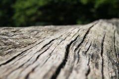 Dunkelbrauner strukturierter natürlicher Holzoberflächehintergrund Lizenzfreies Stockbild