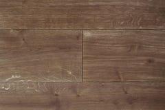 Dunkelbraunes Parkett der Beschaffenheit als abstrakter Beschaffenheitshintergrund, Draufsicht Materielles Holz, Eiche, Ahorn Stockbild