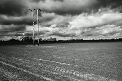 Dunkelgraue Sturmwolken Stockbilder