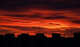 Dunkelroter Himmel Stockfotografie