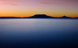 Dunkelwerden bei Balaton Stockfoto