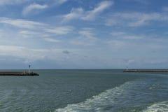 "Dunkerque-†""moderner Tageseingang zum Hafen Stockbild"