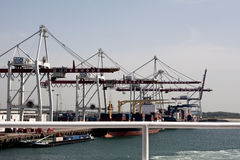 Dunkerque/Francia - 12 giugno 2011: Il terminale di contenitore a Dunkerque Fotografie Stock Libere da Diritti
