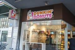 Dunkin油炸圈饼在瑞士 库存图片
