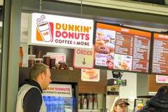 Dunkin油炸圈饼 免版税库存照片