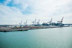 DUNKIRK/FRANCE - 17 april, 2014: Haven van Dunkirk (de Grote Haven brengt in de war Stock Foto