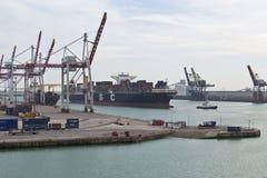 DUNKIRK/FRANCE - 17 aprile 2014: Porto di Dunkerque (grande porto marzo Fotografia Stock Libera da Diritti
