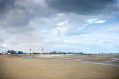 Dunkirk, a praia larga famosa para França o mais conhecido para a evacuação britânica durante a segunda guerra mundial Pas de Cal fotos de stock royalty free