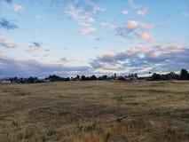 Dunkle bunte Wolkenerfassung stockfotos