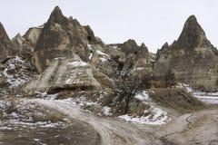 Dunkle Felsen von Anatolia Stockfotos