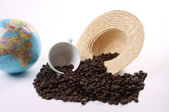 Dunkle gebratene Kaffeebohnen Lizenzfreie Stockfotos