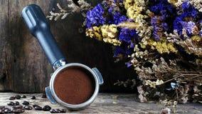 Dunkle gebratene Kaffeebohnen Stockfotografie