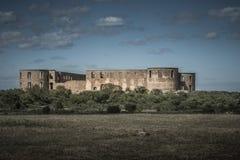 Dunkle gespenstische Ansicht des Schlosses von borgholm gelegen auf Ã-Land stockbilder