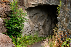 Dunkle Höhle Stockbild