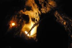 Dunkle Höhle lizenzfreies stockbild