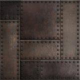 Dunkle rostige Metallplatten mit Nieten nahtloser Hintergrund oder Beschaffenheit lizenzfreies stockbild
