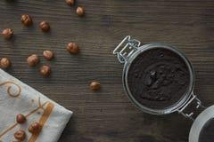 Dunkle Schokoladen- und Haselnussbutter Stockbilder